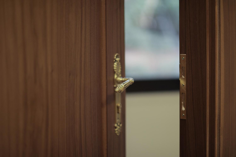 درب داخلی و ورودی