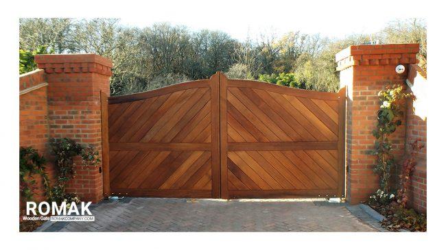 دروازه چوبی