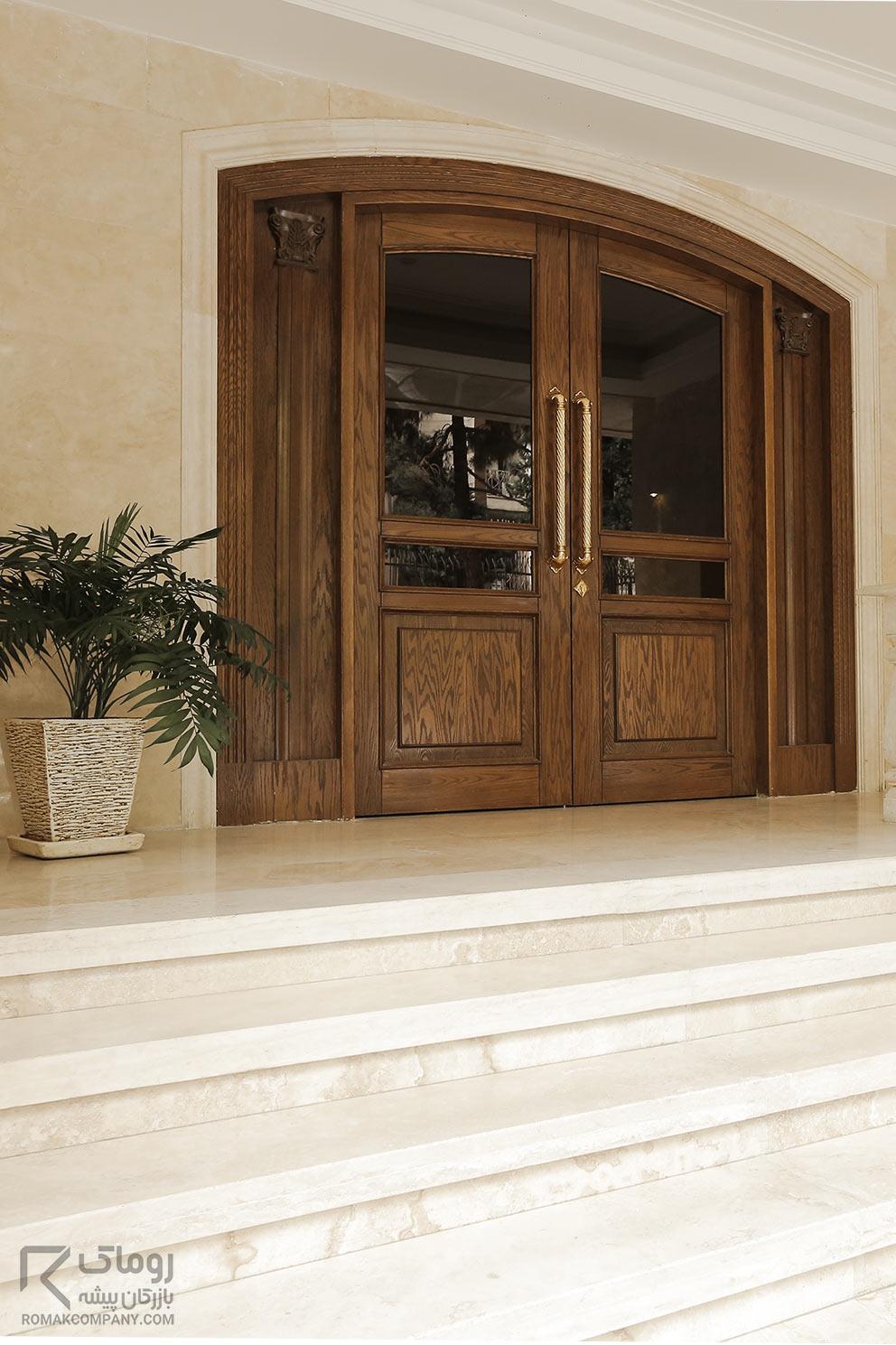 درب ورودی کلاسیک