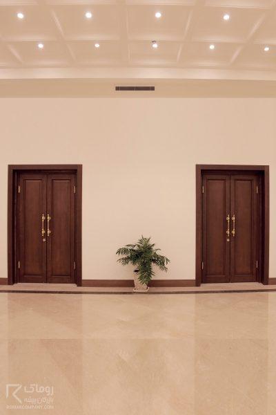 درب لابی تمام چوب
