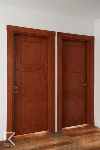 درب سه قاب آجری رنگ