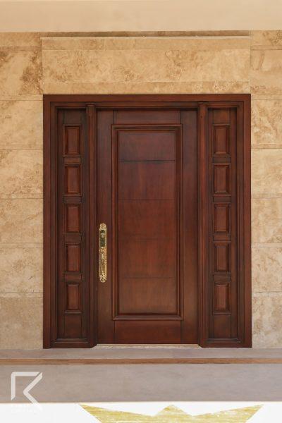 درب ویلایی چوبی کلاسیک